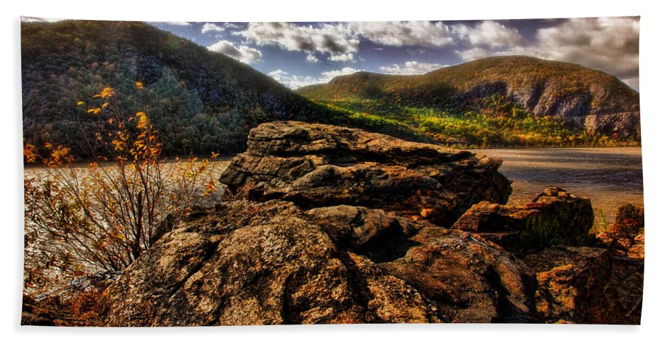 Rocks Hand Towel featuring the photograph Little Stoney Point by Chris Lord