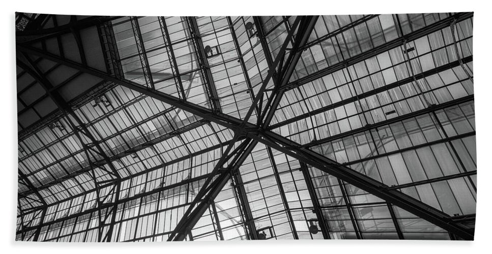 Liverpool Street Station Bath Sheet featuring the photograph Liverpool Street Station Glass Ceiling Abstract by John Williams