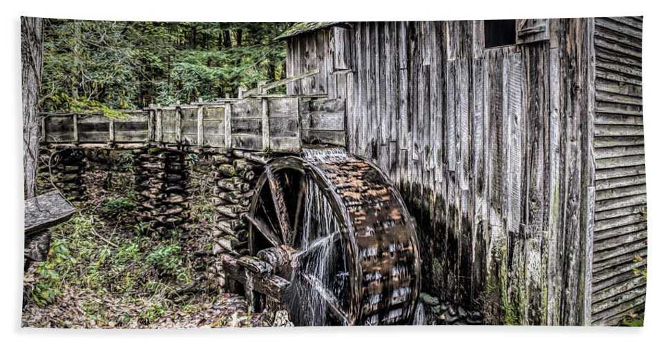 Cable Mill Gristmill Bath Sheet featuring the photograph Cable Mill Gristmill - Great Smoky Mountains National Park by Wes Iversen