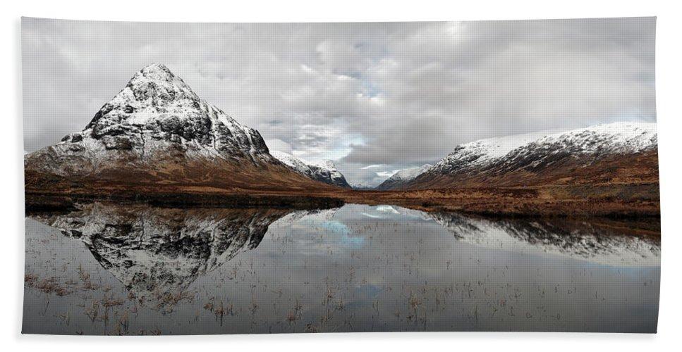 Lochan Na Fola Panorama Bath Towel featuring the photograph Lochan Na Fola Panorama by Grant Glendinning