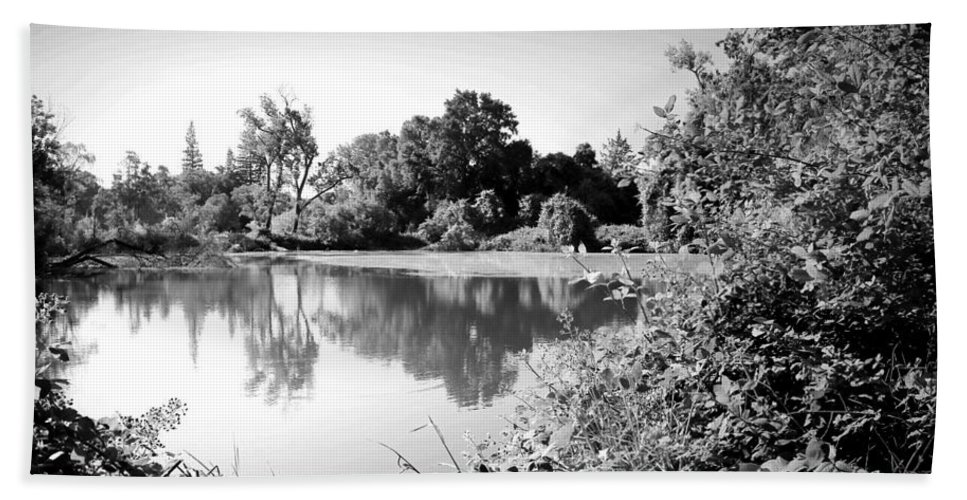 Black-and-white Bath Sheet featuring the photograph Lodi Pig Lake Reflections B And W by Joyce Dickens