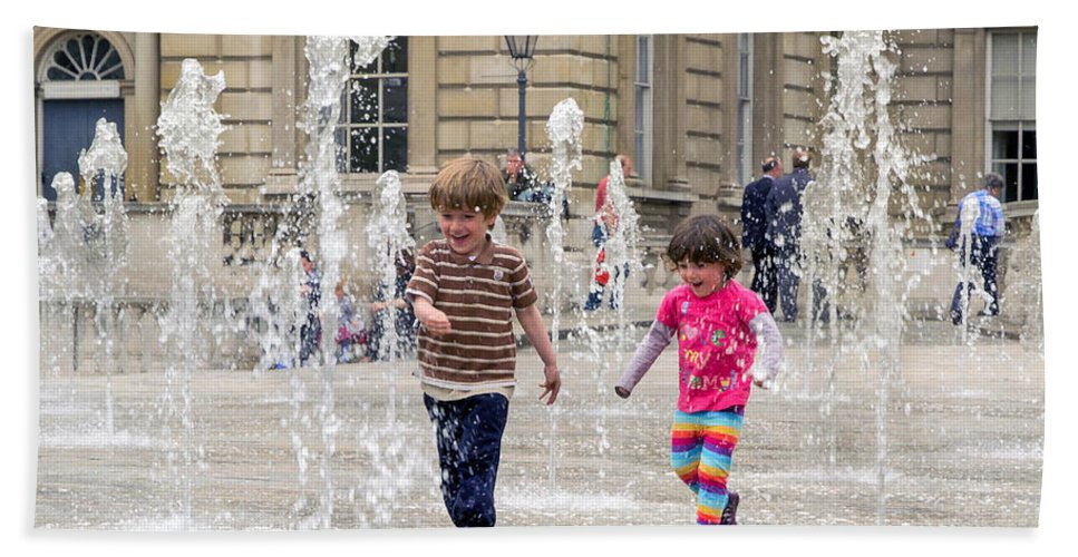 Fountain Hand Towel featuring the photograph London Fun by Keith Armstrong
