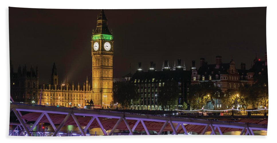 London Hand Towel featuring the photograph London Lights by Christopher Carthern