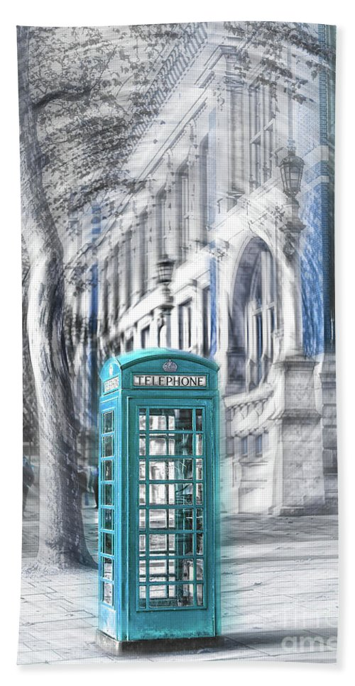 Victoria And Albert Museum Hand Towel featuring the photograph London Telephone Turquoise by Alex Art and Photo
