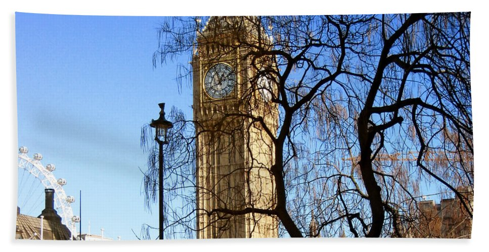 London Hand Towel featuring the photograph London's Big Ben by Madeline Ellis