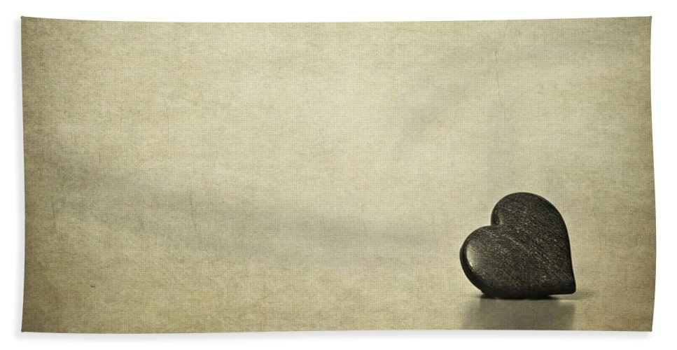 Heart Hand Towel featuring the photograph Longing by Evelina Kremsdorf
