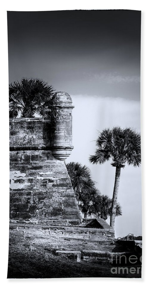 Fort Bath Towel featuring the photograph Look Out - Bw by Marvin Spates