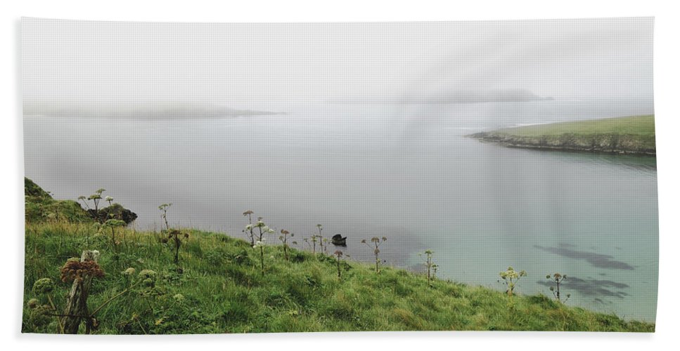 Scottish Bath Sheet featuring the photograph Looking Beyond The Sorrow by Lucinda Walter