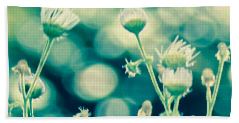 Wildflowers Hand Towel featuring the photograph Looking Through Thoughts by Kristin Hunt