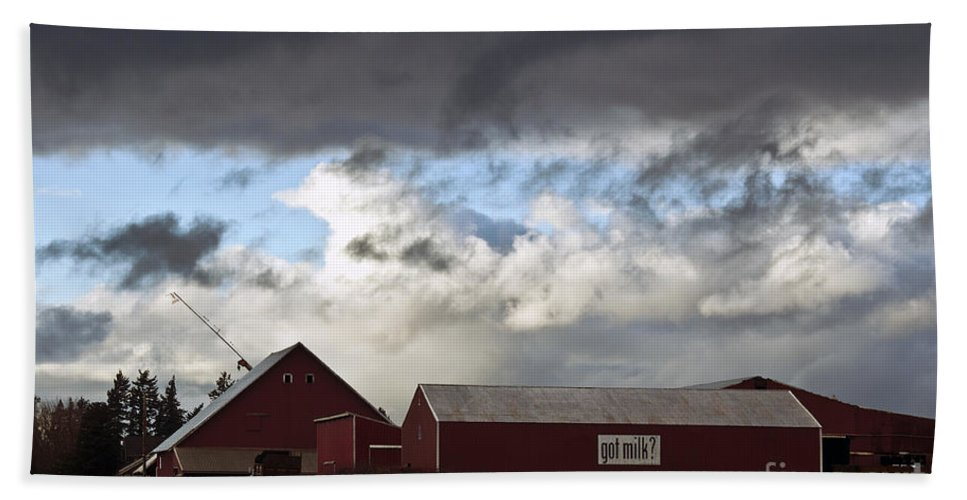 Clay Hand Towel featuring the photograph Looming Storm In Sumas Washington by Clayton Bruster
