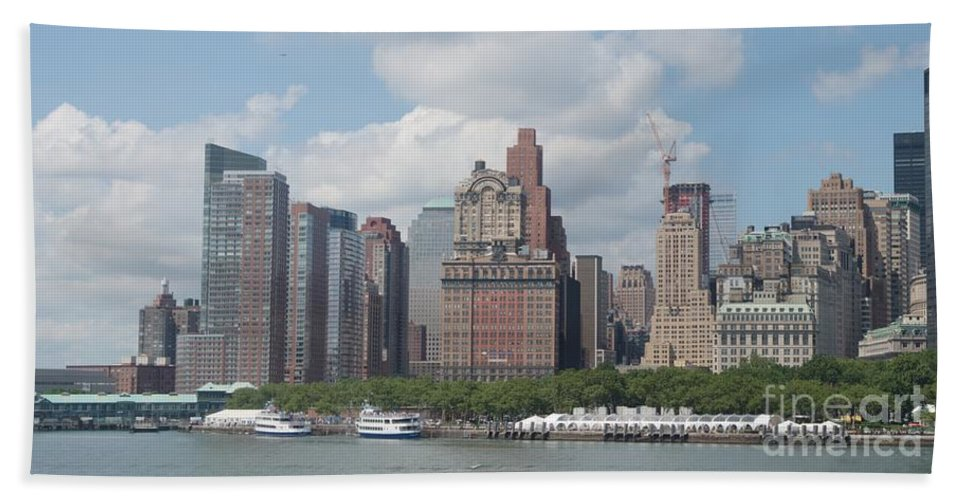 New York Hand Towel featuring the photograph Lower Manhattan Panorama by Thomas Marchessault