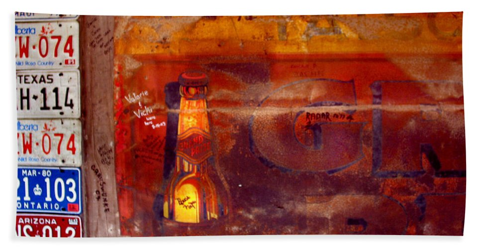 Luckenbach Hand Towel featuring the photograph Luckenbach Tx by Tommy Anderson