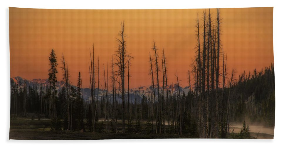 Wyoming Hand Towel featuring the photograph Magic Morning by Michael J Samuels