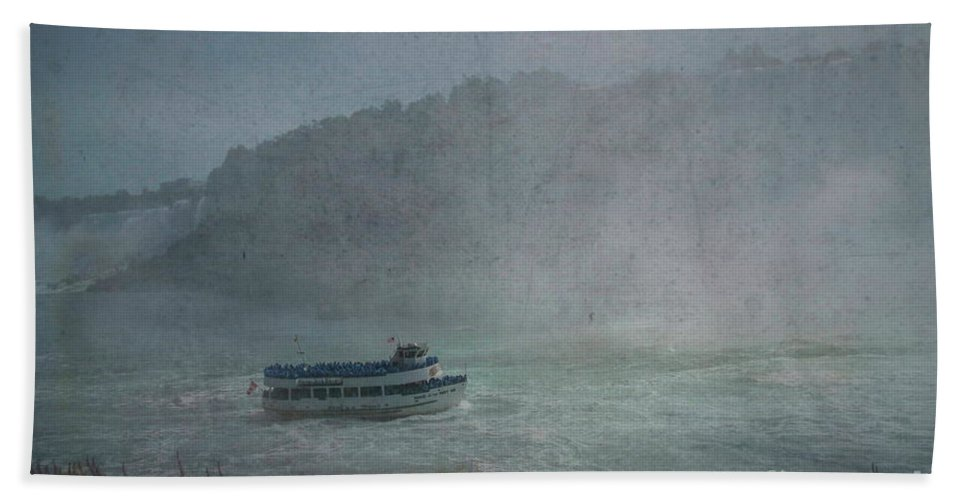 Maid Of The Mist Bath Towel featuring the photograph Maid Of The Mist by Luther Fine Art
