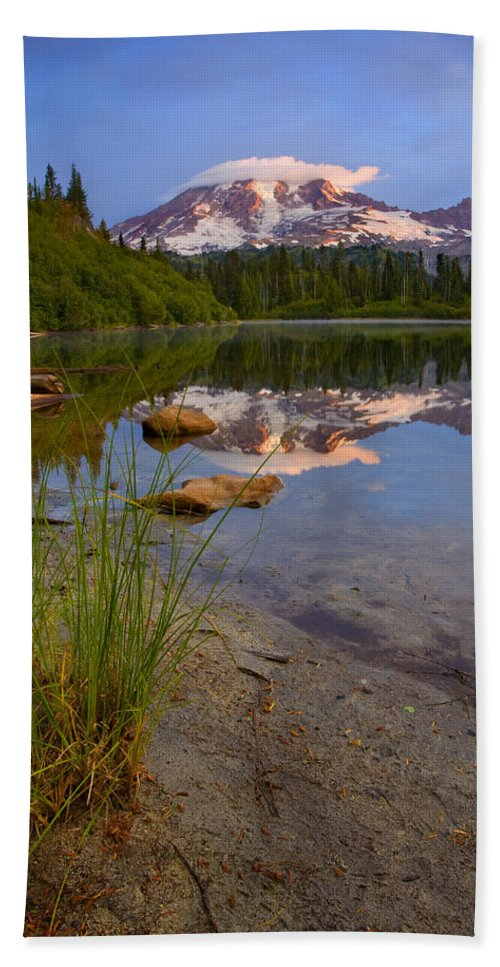 Mt. Rainier Hand Towel featuring the photograph Majestic Glow by Mike Dawson
