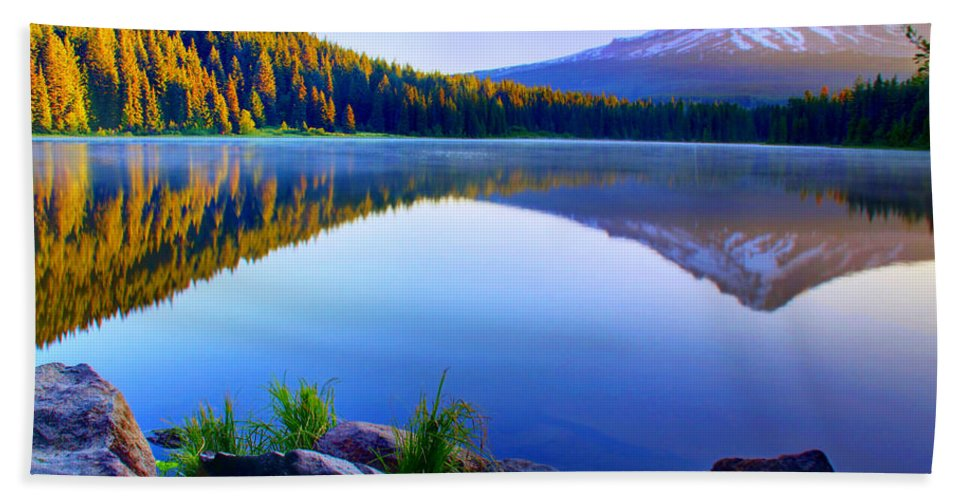 Lake Hand Towel featuring the photograph Majestic Reflection by John Absher