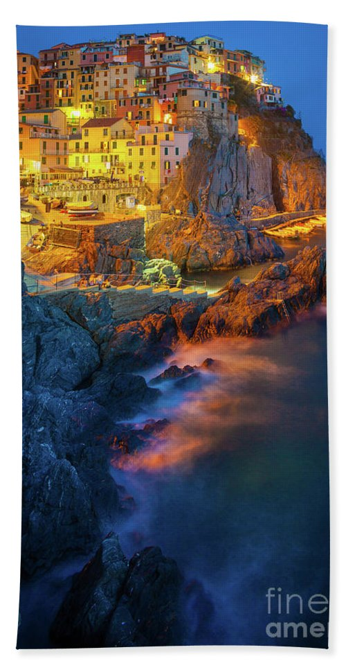 Cinque Terre Bath Sheet featuring the photograph Manarola Lights by Inge Johnsson