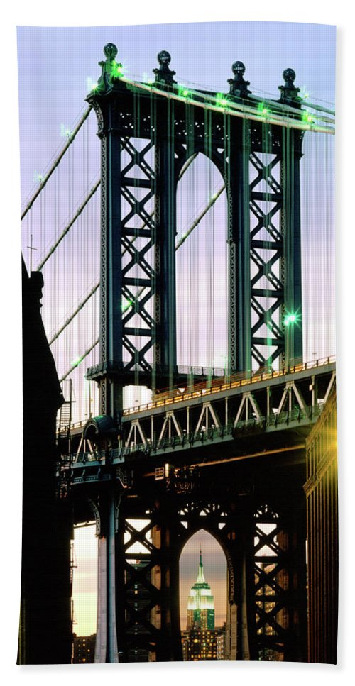 Manhattan Bridge Bath Sheet featuring the photograph Manhattan Bridge And Empire State Building by Mark Ivins