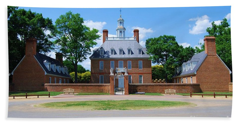 Landscape Hand Towel featuring the photograph Mansion by Eric Liller