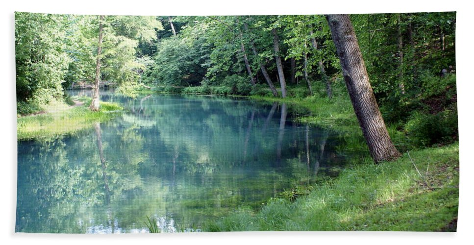 Maramec Springs Park Hand Towel featuring the photograph Maramec Springs 1 by Marty Koch