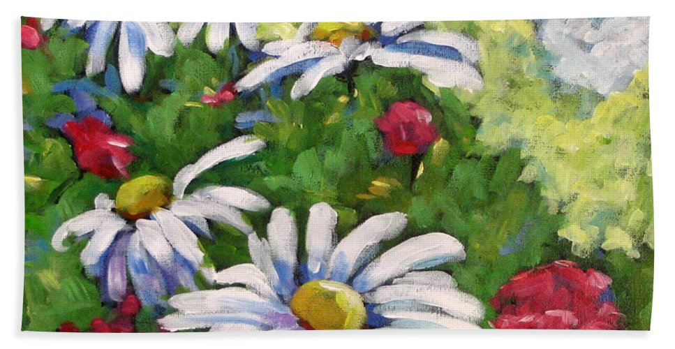 Daysy Hand Towel featuring the painting Marguerites 002 by Richard T Pranke
