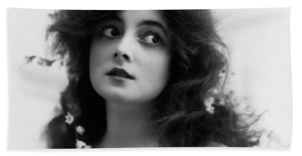 Marie Doro Actress Sexy Erotic Female Woman Girl Beauty Hollywood Silent Black White Bw Vintage Bath Sheet featuring the photograph Marie Doro 1902 by Steve K