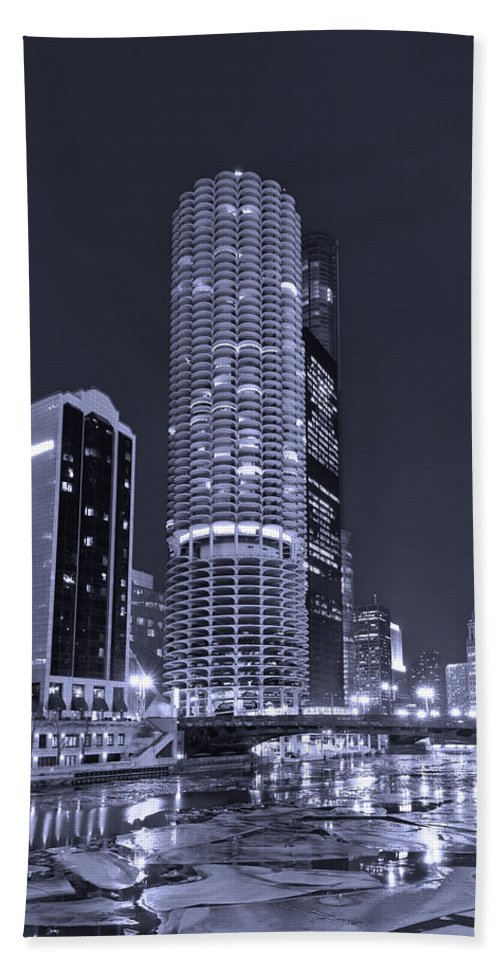 Marina City Bath Sheet featuring the photograph Marina City On The Chicago River In B And W by Steve Gadomski