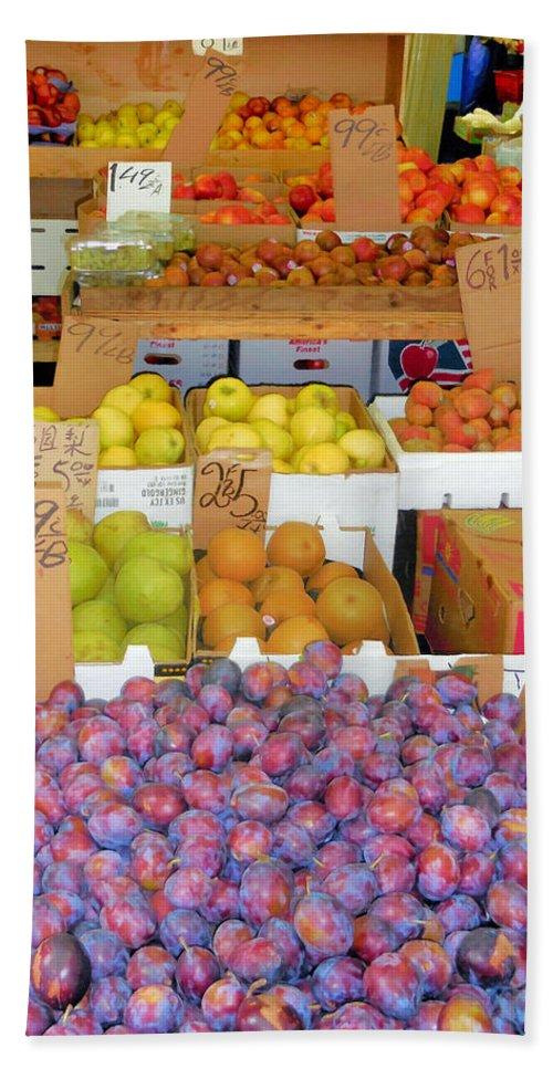 Market At Bensonhurst Brooklyn Ny Bath Sheet featuring the painting Market At Bensonhurst Brooklyn Ny 10 by Jeelan Clark