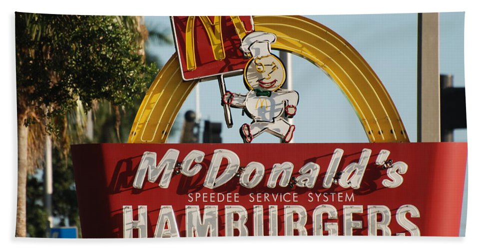 Mcdonalds Hand Towel featuring the photograph Mc Donalds by Rob Hans