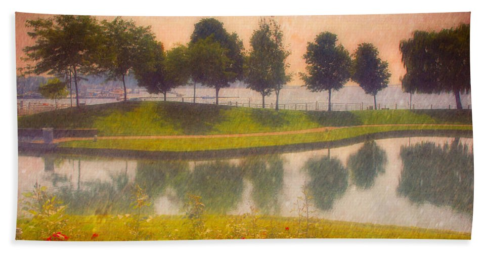 Trees Hand Towel featuring the photograph Measured Reflections by Tara Turner