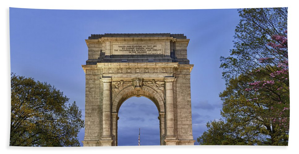 American Revolutionary War Bath Sheet featuring the photograph Memorial Arch Valley Forge by John Greim