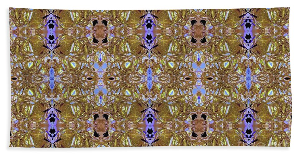 Abstract Bath Sheet featuring the digital art Loma Gold by Elisabeth Skajem Atter