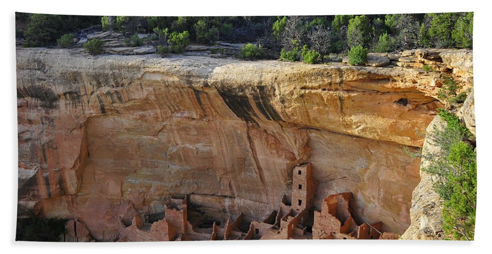 Mesa Dwelling Hand Towel featuring the photograph Mesa Dwelling by Skip Hunt