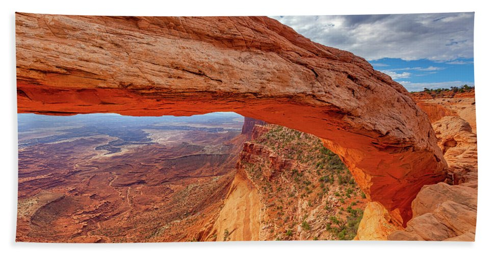 Mesa Arch Hand Towel featuring the photograph Mesa's Drop by Darren White