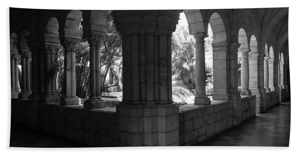 Black And White Bath Towel featuring the photograph Miami Monastery In Black And White by Rob Hans