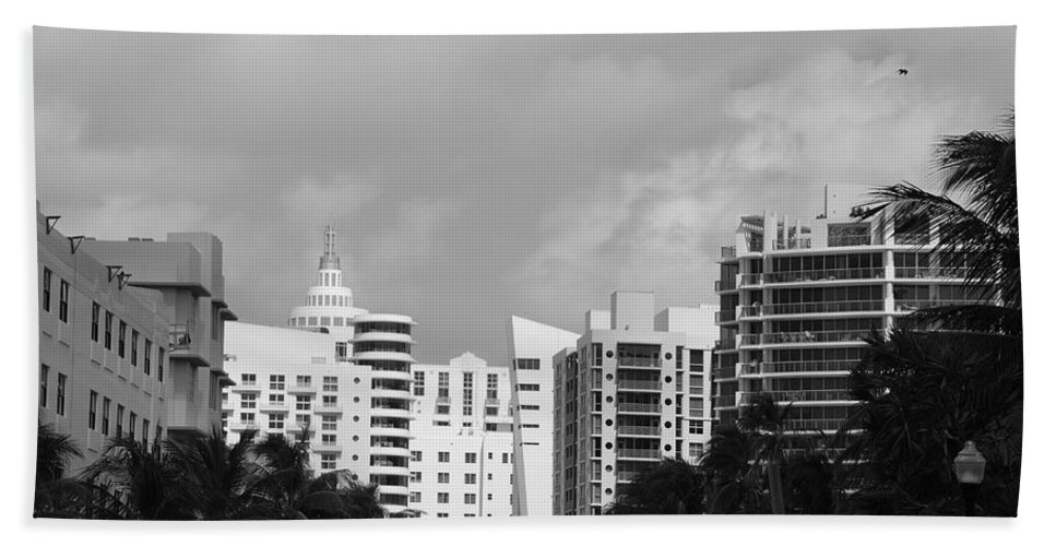 Black And White Hand Towel featuring the photograph Miami Sky by Rob Hans