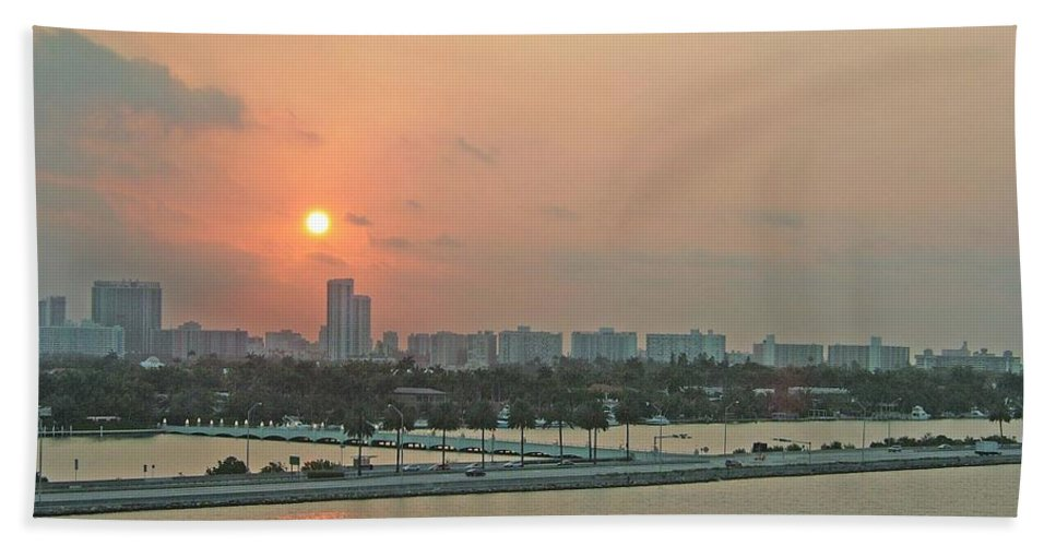 Sunrise Hand Towel featuring the photograph Miami Sunrise by Gary Wonning