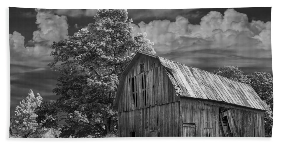 Landscape Bath Sheet featuring the photograph Michigan Old Wooden Barn by Randall Nyhof