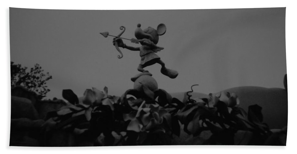 Black And White Bath Towel featuring the photograph Mickey Mouse In Black And White by Rob Hans