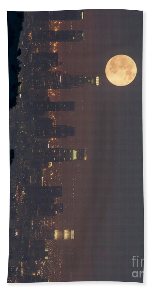 Hand Towel featuring the photograph Midnight City by Jay Hunt