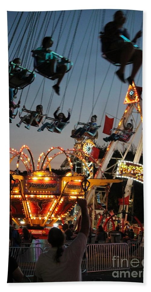 County Fair Hand Towel featuring the photograph Midway Height by Lisa D'Adamo-Weinstein