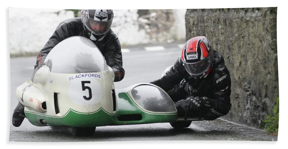 Motorbikes Racing Bath Sheet featuring the photograph Mike Bellarby/dave Gristwood by Richard Norton Church