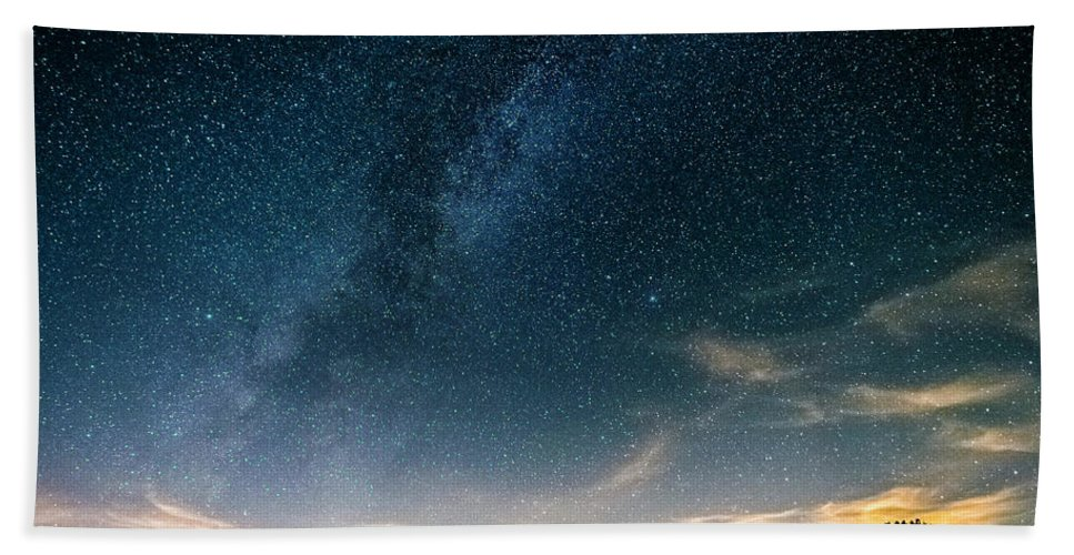 Bath Sheet featuring the photograph Milky Way During Perseids by Eric Kunz