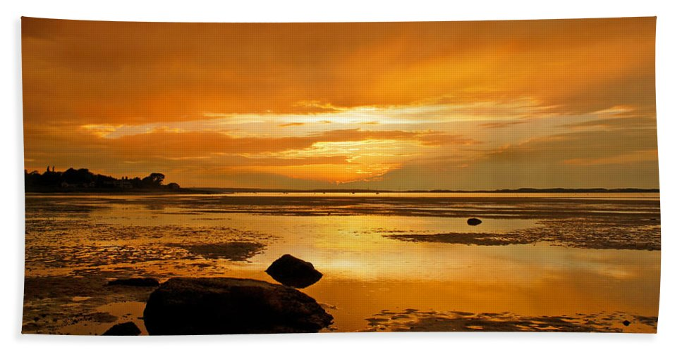 Mill Way Hand Towel featuring the photograph Mill Way Beach Sunset by Charles Harden