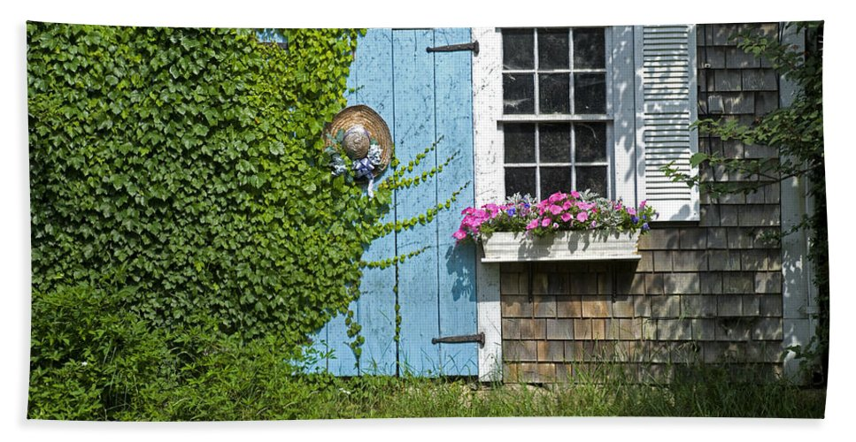Mill Way Hand Towel featuring the photograph Mill Way Scene by Charles Harden