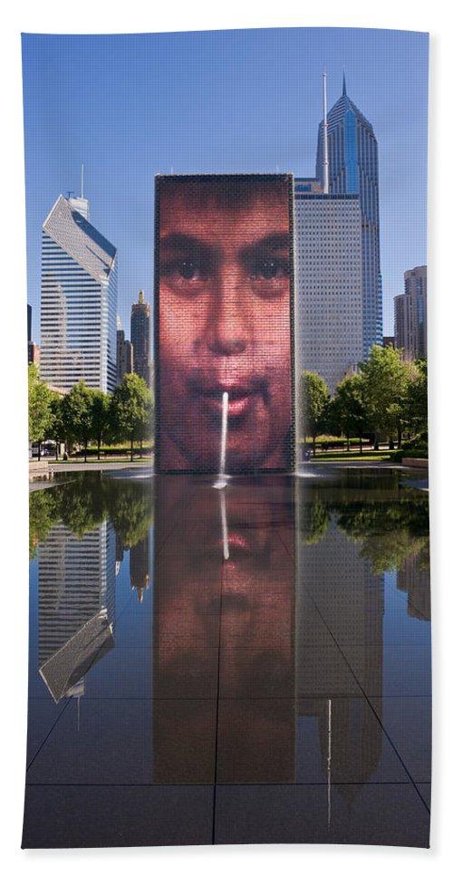 Art Bath Sheet featuring the photograph Millennium Park Fountain And Chicago Skyline by Steve Gadomski