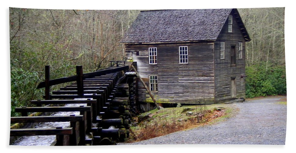 Great Smokey Mountain National Park Hand Towel featuring the photograph Mingus Mill by Marty Koch