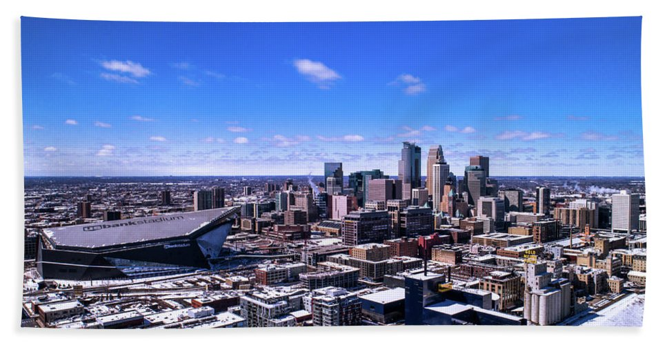 City Bath Towel featuring the photograph Minneapolis Skyline On A Sunny Day by Gian Lorenzo Ferretti