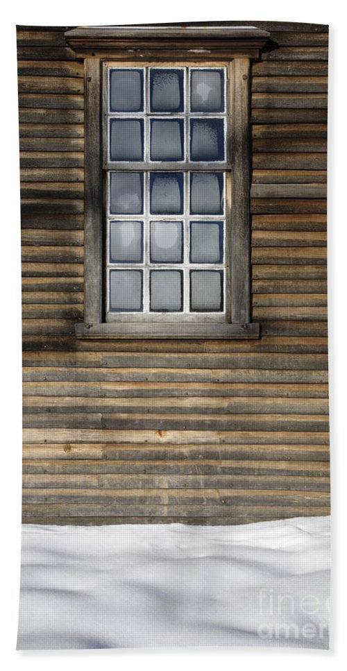 Window Bath Towel featuring the photograph Minute Man National Historical Park In Lincoln Massachusetts Usa by Erin Paul Donovan