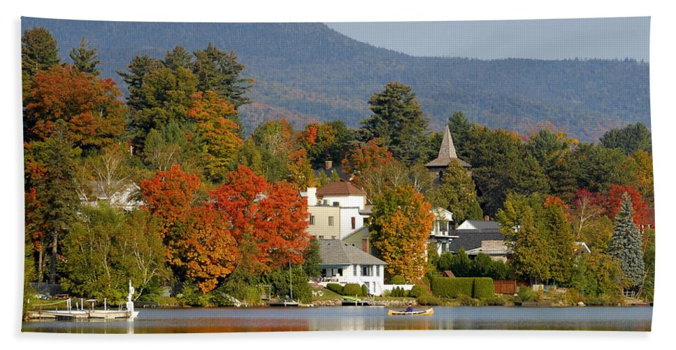 Adirondack Mountains Hand Towel featuring the photograph Mirror Lake by David Lee Thompson